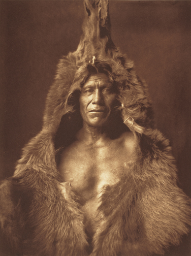 Edward S. Curtis: 100 Masterworks reviewed by the Los Angeles Times